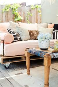 Daybed Sofa Ideas Diy Pallet Outdoor Daybed Shelterness
