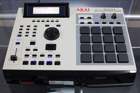 mpc 2000 xl tutorial video mpc 2000xl glossed black quot ms blvck 2kxl quot by 16squarez