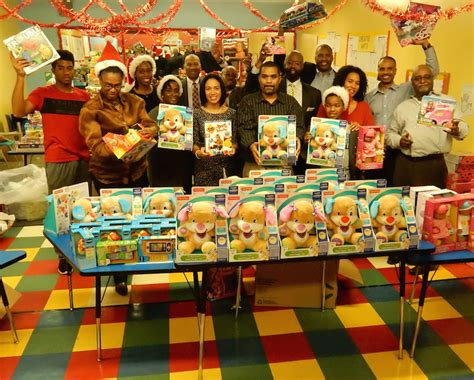 Jamaica Giveaway - jamaica family homeless shelter hosts holiday toy giveaway magic show qns com