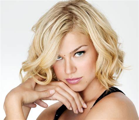 hairstyle for heavier on fryzury kt 243 rymi wyszczuplisz okragłą twarz wp kobieta