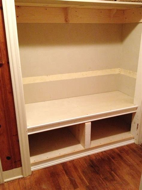 meuble pin 3716 tutorial how to build a bench in a closet for the home
