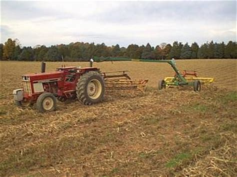 684 International W Two 56 Nh Rakes Tractorshed Com