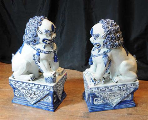 white dogs with blue pair nanking porcelain foo dogs blue white porcelain