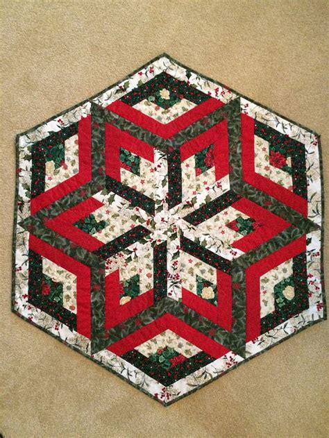 snowflake quilt pattern table runner 1000 images about table runners toppers on pinterest