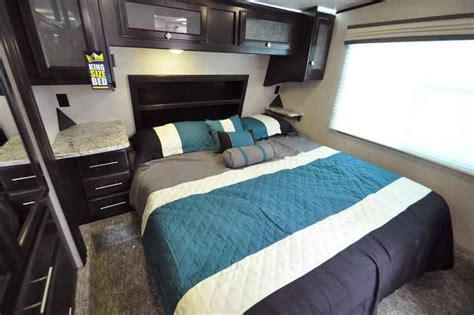 5th wheel cers with bunk beds 2017 new heartland rv road warrior rw427 bath 1 2 bunk
