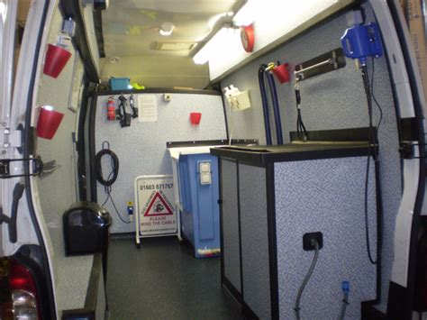 mobile groomer a wash newcastle staffs stoke on trent mobile