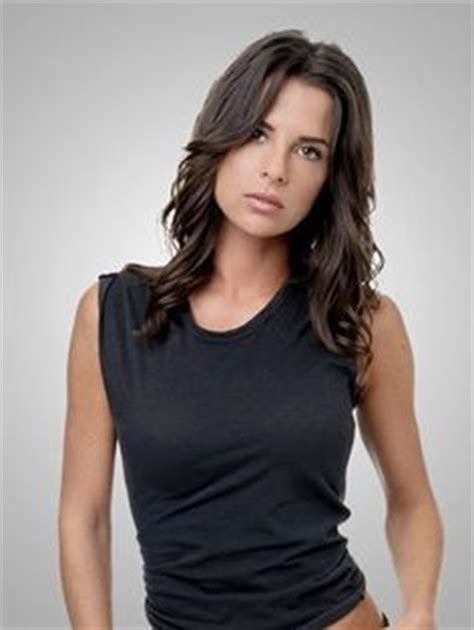 why did kelly monaco cut her hair kelly monaco she is so gorgeous wish i looked like her