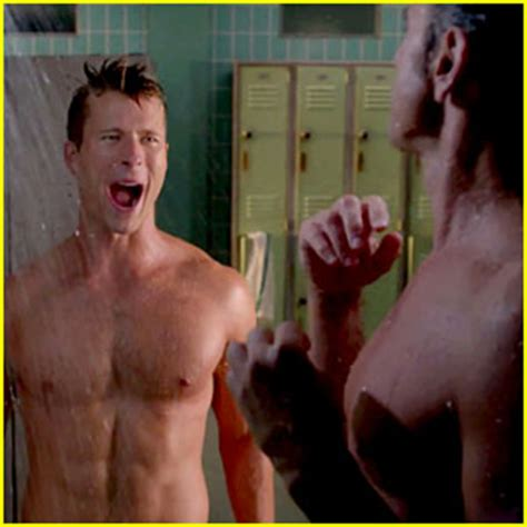 bathroom scene hot john stamos glen powell strip again for another scream