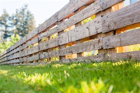 paletten bauen palettenzaun einen zaun aus paletten selber bauen