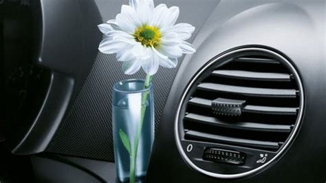 Vw Beetle Vase by Volkswagen Beetle S Bud Vase A Cool Marketing Idea Meets