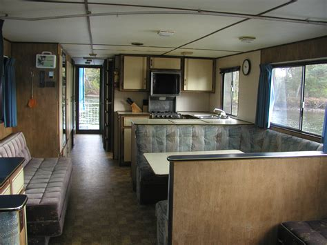 house boat photos houseboat photos canusavacations ca temagami cottage vacation or houseboat sale