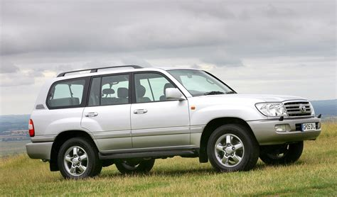 toyota land cruiser amazon station wagon review 2002 2006 parkers