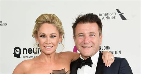 robert herjavec hair transplant photo from shark tank did robert herjavec get a hair transplant robert