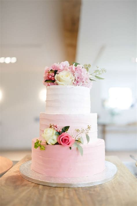 Pink Wedding Cakes by 1000 Ideas About Buttercream Wedding Cake On