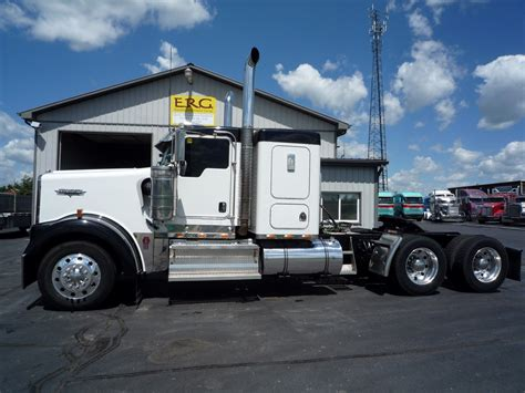 Kenworth W900 Flat Top Sleeper by 1986 Kenworth W900 Flat Top Pictures To Pin On