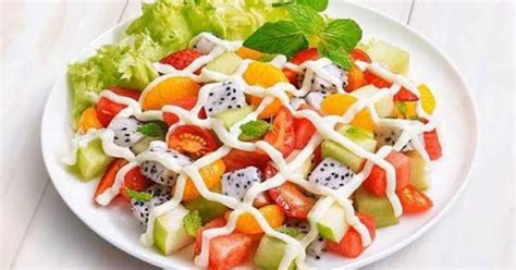 cara membuat salad buah dengan minyak zaitun jaga kalori dengan salad buah hadiah me