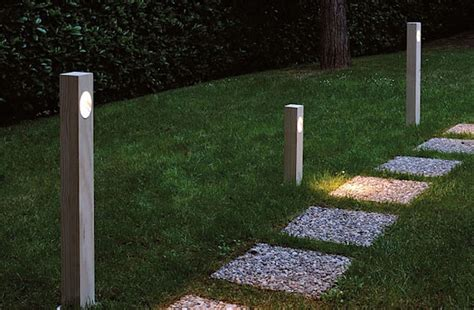 Hardscaping 101 Pathway Lighting Gardenista Outdoor Path Lights