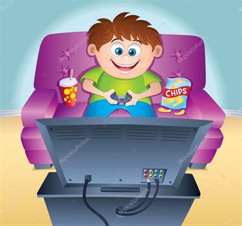 imagenes de niños jugando videojuegos animados ni 241 o jugando videojuegos en el sof 225 foto de stock 94235282