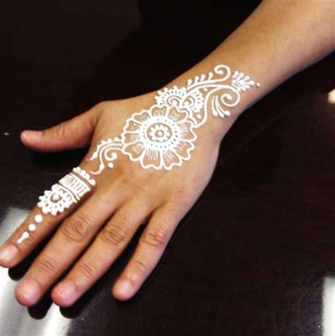 9 glitter mehndi designs that promise you shall shine
