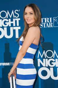 camilla luddington mom s night out premiere in hollywood