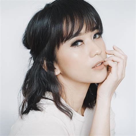 blogger kosmetik indonesia 7 beauty blogger indonesia cantik dan populer bitebrands