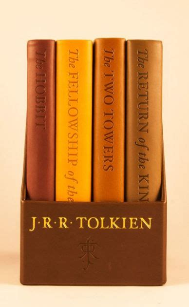 libro the hobbit pocket version the hobbit and the lord of the rings deluxe pocket boxed set by j r r tolkien other format