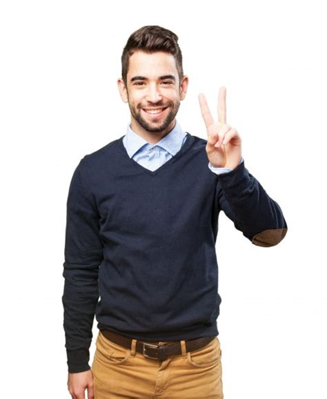 chavitos gays desnudos metiendo el dedo buscar con hombre joven alegre ense 241 ando el gesto de la victoria