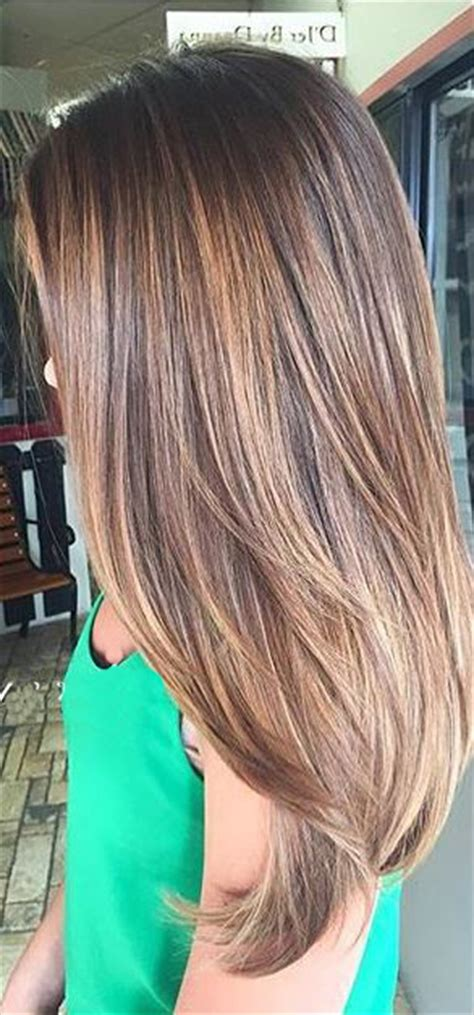 a line with subtle balyage highlights hair balyage brunette balayage highlights hairstyles pinterest