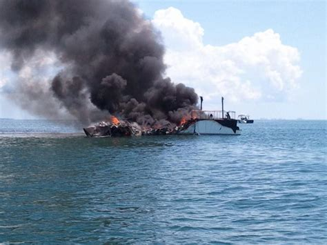 key west boats cost dvids news coast guard responds to anclote key boat fire