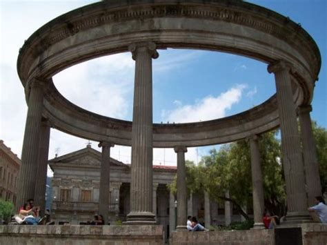 greco roman architecture a street picture of quetzaltenango quetzaltenango