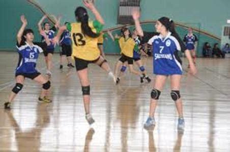 imagenes de niños jugando handball instituto del carmen le gan 243 al colegio n 186 2 en handball