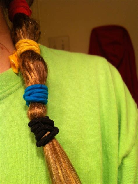 how to straitin hair with rubbervbands if u wet ur hair and wrap hair with rubber bands and sleep