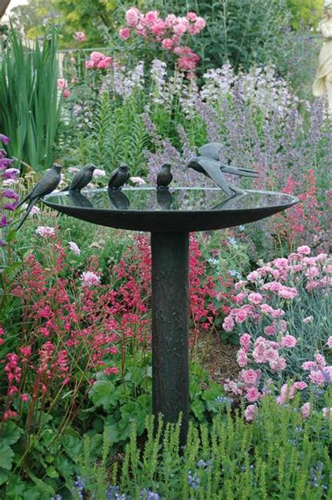 20 beautiful garden decorations sculptures to accentuate