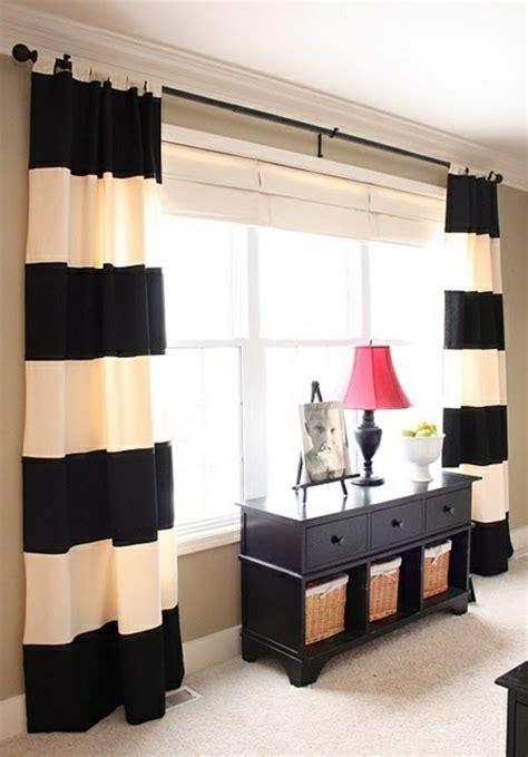 gestreifte vorh nge wandfarbe ideen mit elegnaten streifen in schwarz und wei 223