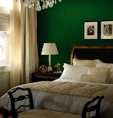 green walls in bedroom 1000 ideas about green bedroom walls on green