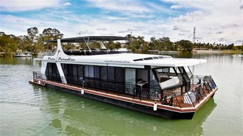 living on a houseboat in australia 28 best dream houseboats images on pinterest floating