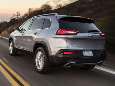 jeep crossover 2014 2014 jeep cherokee crossover suv first drive autobytel com