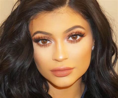 kylie jenner face shape kylie jenner workout routine flaunting her body pop