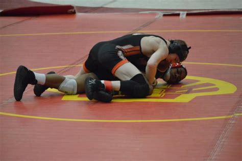ihsa sectional competition begins in ihsa class 3a alton wrestling