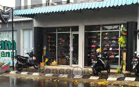 Alamat Toko Sepatu Brodo Footwear alamat telepon toko sepatu versus footwear purwokerto jawa tengah panggon