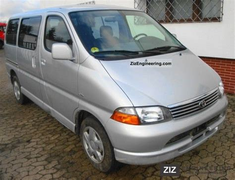 toyota 8 seater hiace d4d 2004 estate minibus up to 9