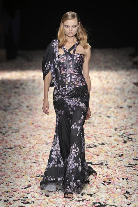 Runway Report Givenchy Couture by Givenchy At Couture 2009 Livingly