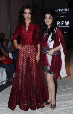 Anarkali Baju India 001 arrahman with khatija rahman at graduation