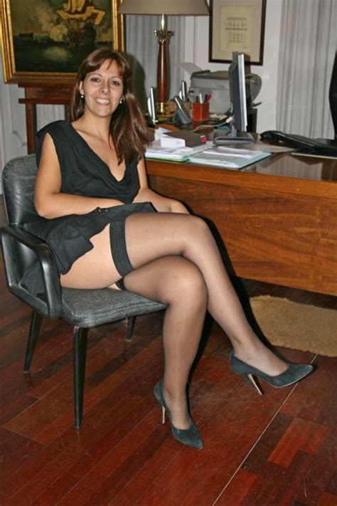 older mature topless heels sitting pin by cadau rafaele on hot pinterest posts