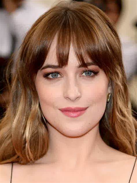 dakota johnson hairstyles and face shape hairstyles with golden brown highlights