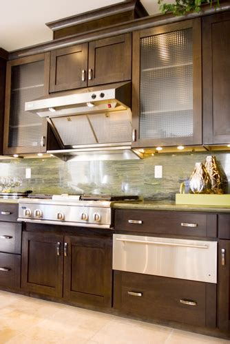 how to sell kitchen cabinets selling a home which features help you sell faster