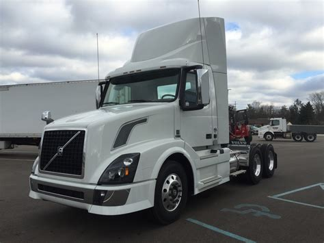 2017 volvo semi truck trucks for sale