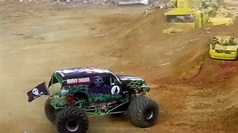 monster truck jam youtube grave digger monster truck monster jam 2013 youtube