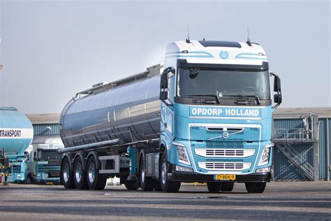 volvo light trucks vier volvo fh 460 4x2 light concept trucks voor opdorp