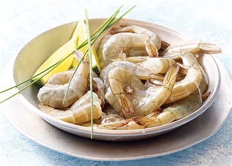 cuisiner gambas surgel馥s queues de crevettes crues avec carapace surgel 233 gamme